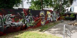 w2014-06-10-em1-graffiti-wiesbaden-kontext-0008